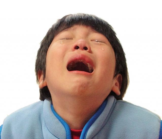 深夜にギャー!子供が突然泣き叫ぶ症状はもしかしたら「夜驚症」かも